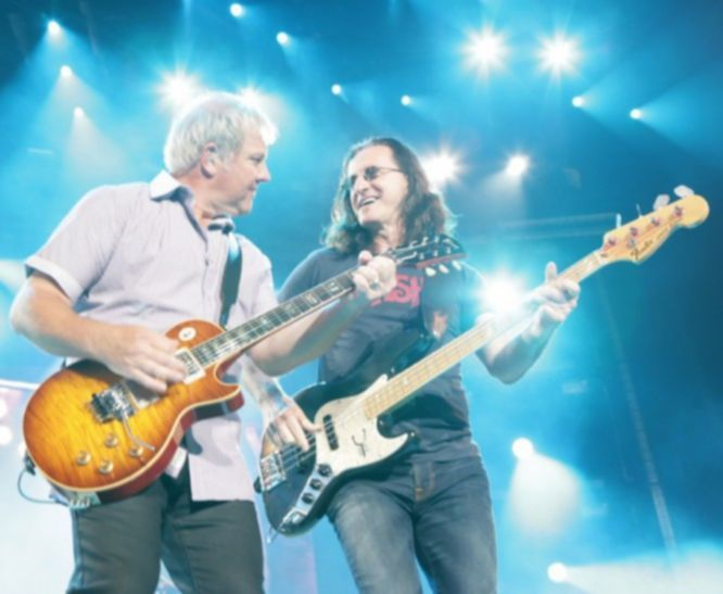 Rush live _ Alex Lifeson und Geddy Lee_ Photographer Andrew MacNaugthan