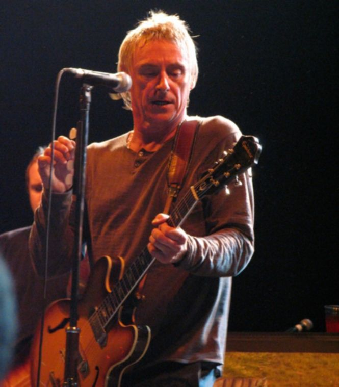 Paul_Weller_at_the_No_Cactus_Festival_in_Belgium