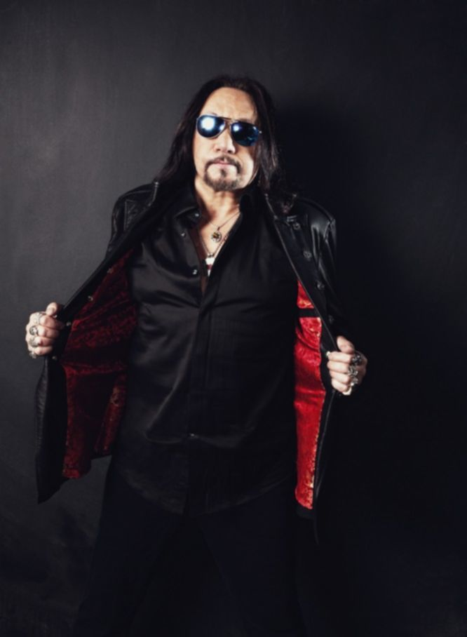 ace-frehley-space-invaders-6429