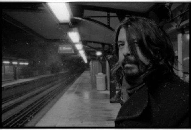 News: Hört hier den neuen Foo Fighters-Song ›Something From Nothing‹