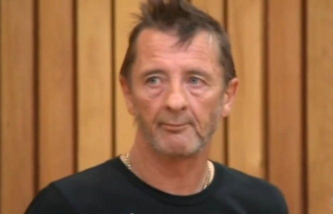 News: Phil Rudd ist erneut festgenommen worden - der Drummer wurde mit Alkohol erwischt