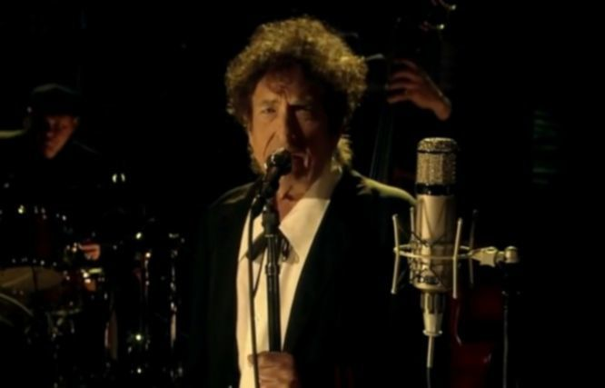 "News: Bob Dylan spielt neuen Song ›The Night We Called It A Day‹ in David Lettermans vorletzter ""Late Show"""