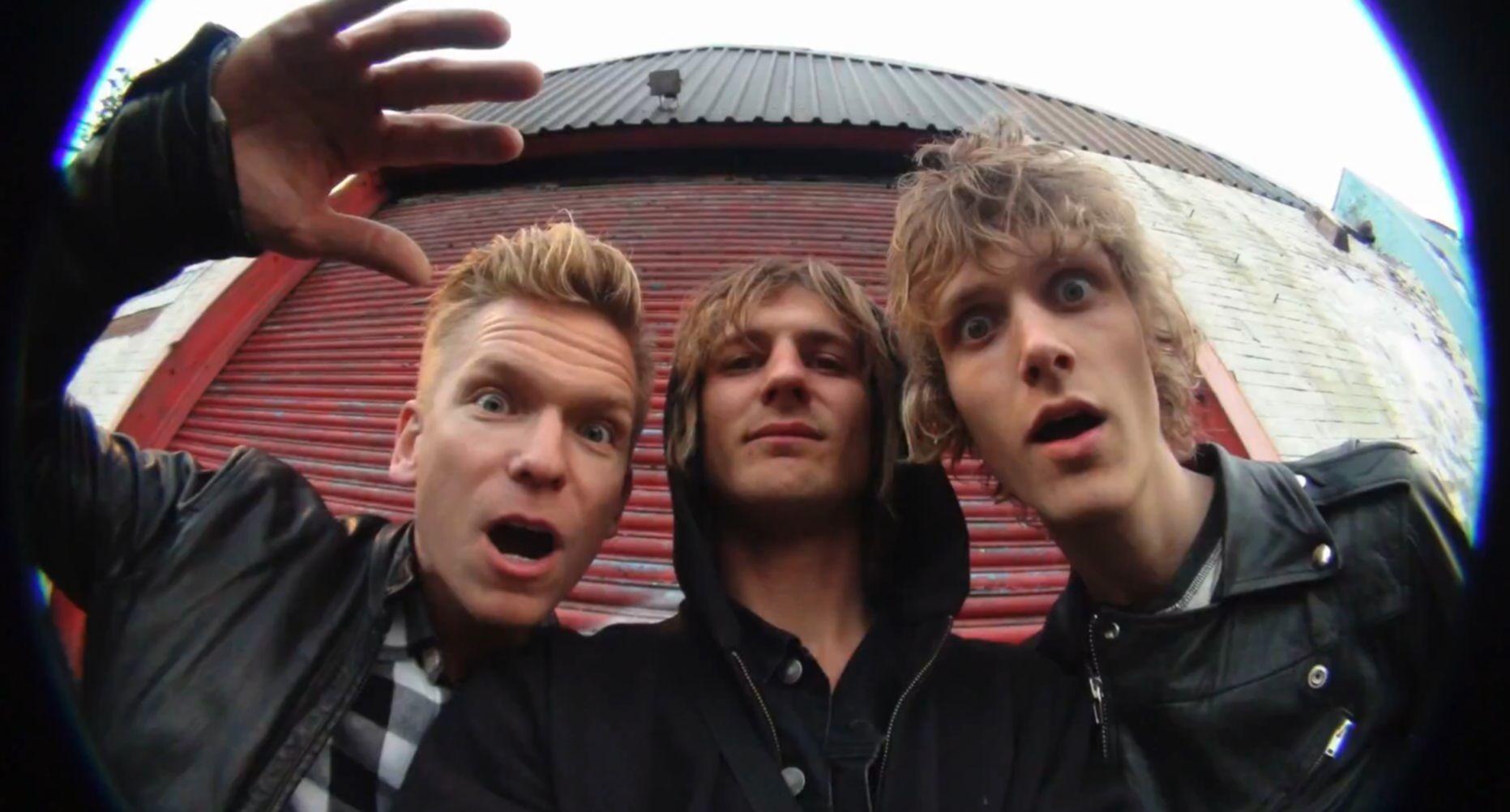 News: Lucer aus Dänemark zeigen uns ein witziges Tour-Video mit Mike Tramp