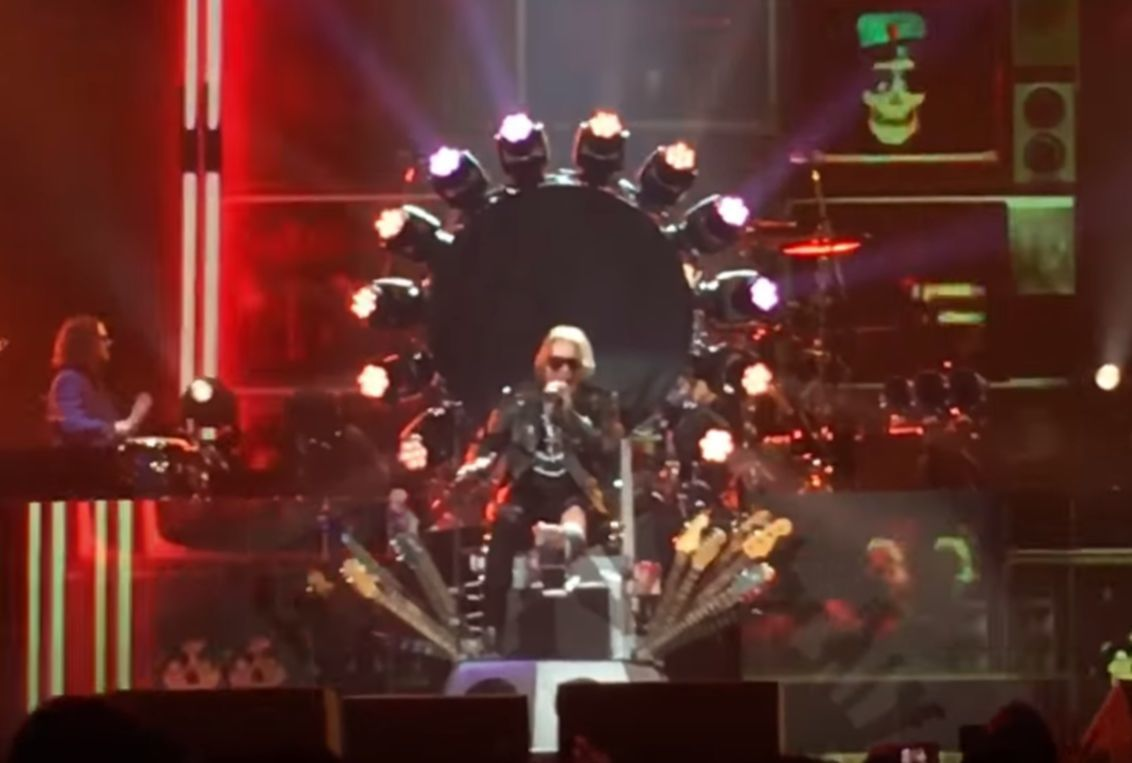 Axl Rose Throne Dave Grohl