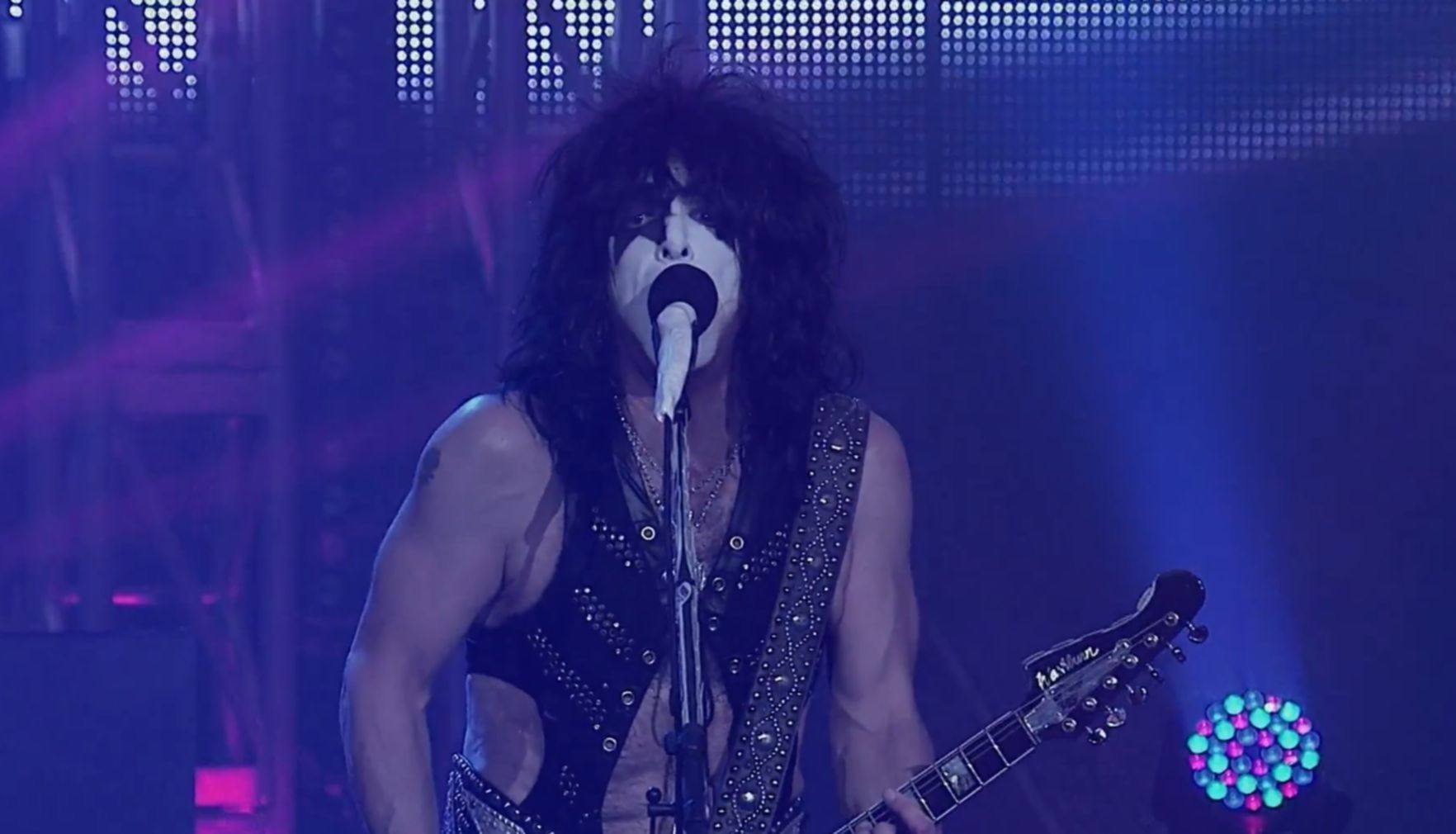 kiss las vegas trailer