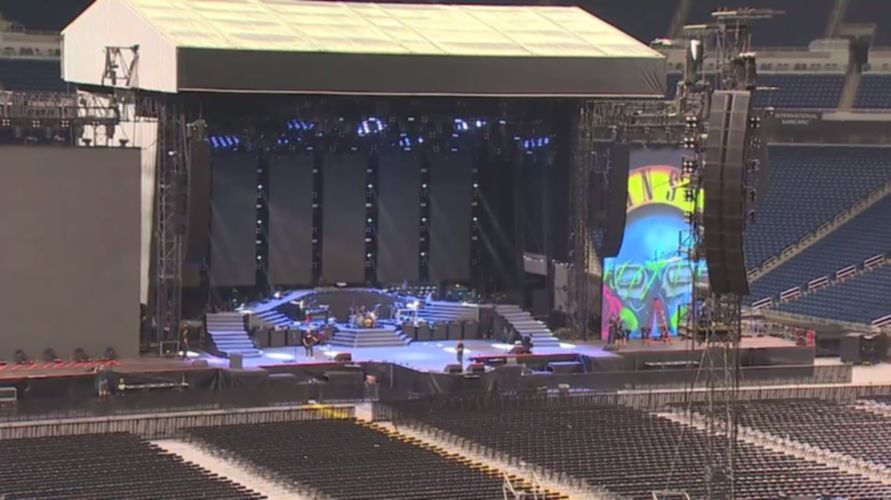 Guns N Roses Backstage Detroit