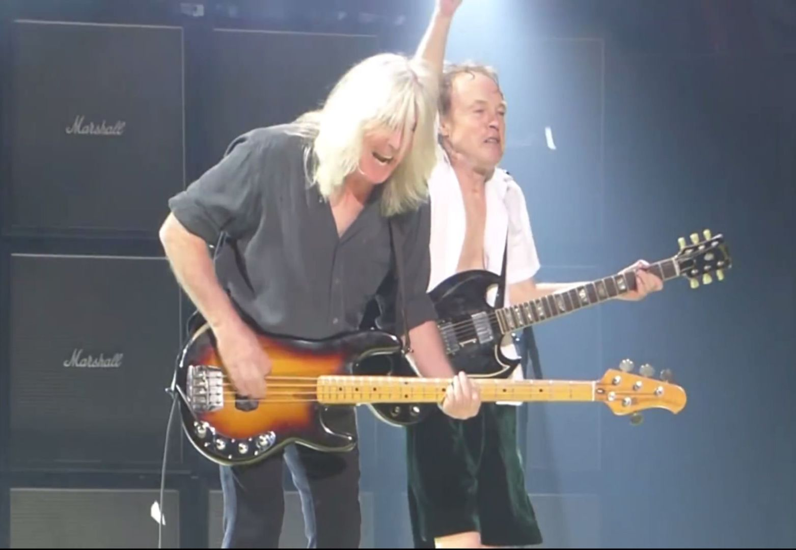 acdc-we-salute-you2