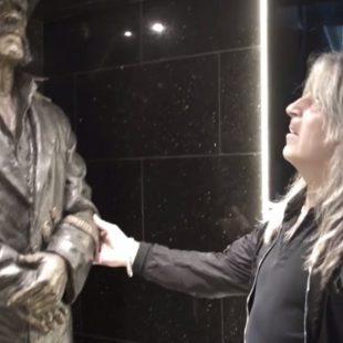 Lemmy Statue