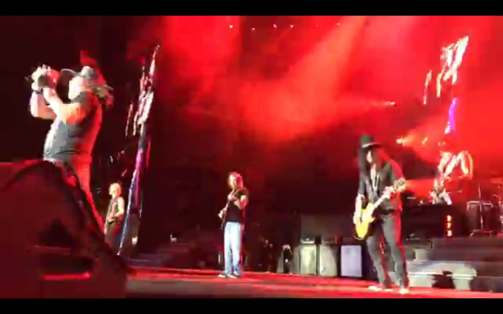 Guns N Roses Blitz Donner Und Acdc In Hannover Classic Rock