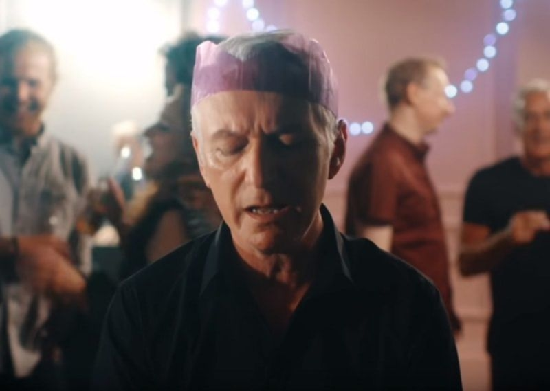 Die britischen Thunder in ihrem neuen Video zur Single Christmas Day
