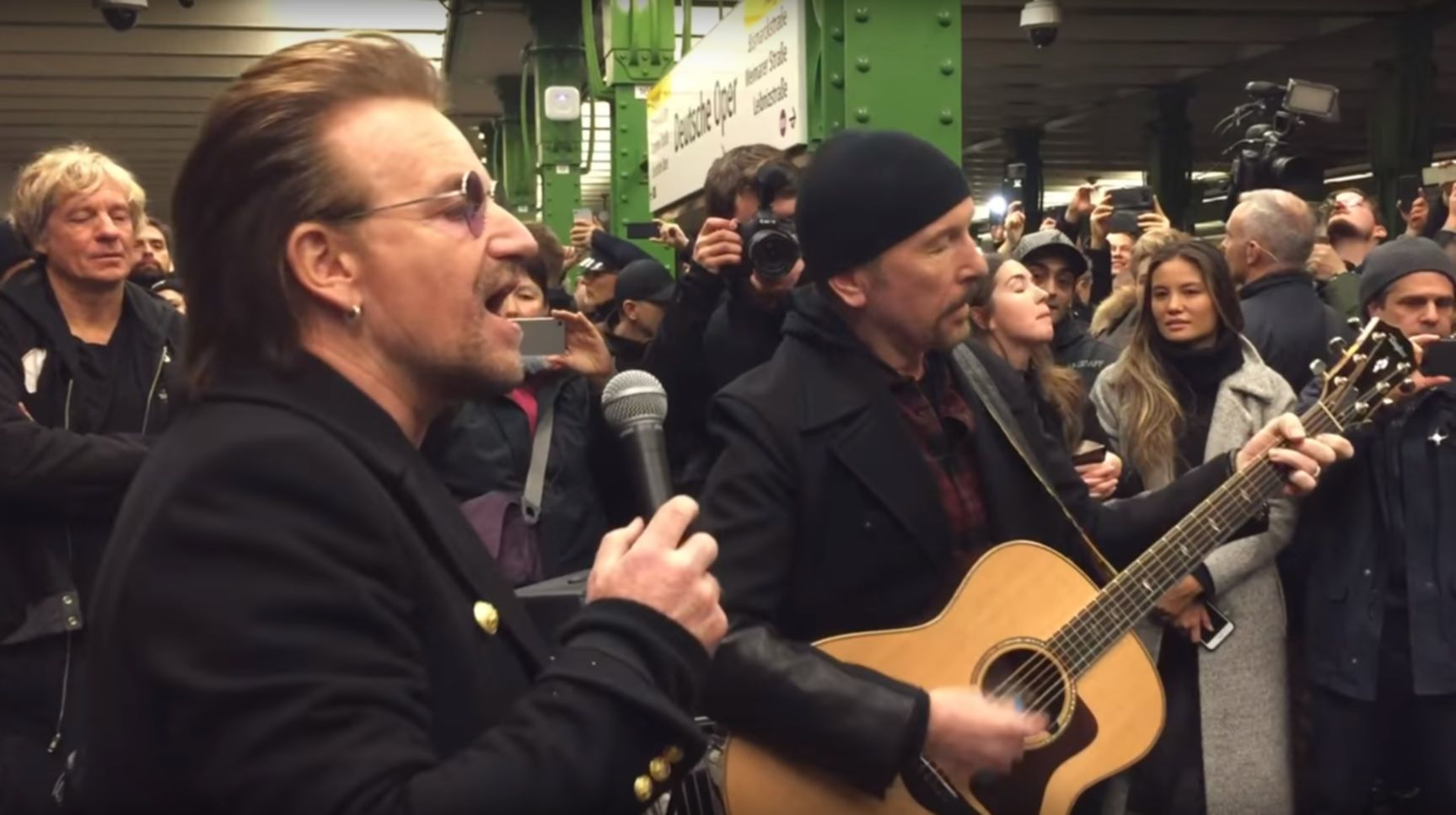 Bono The Edge U2 U-Bahn Berlin