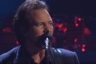 Eddie Vedder Pearl Jam live