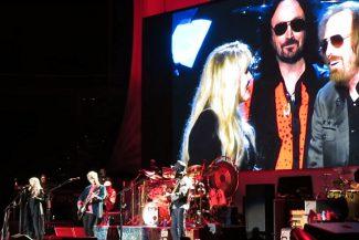 Fleetwood Mac covern Tom Pettys Free Fallin'