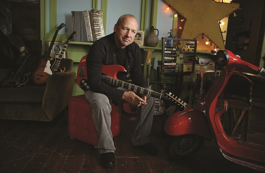 Mark Knopfler mit Gitarre