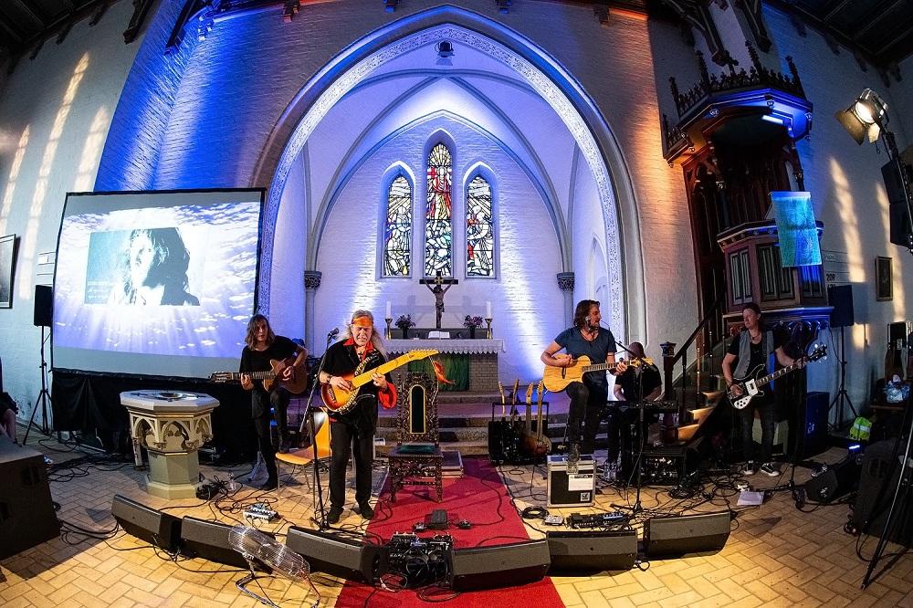 Frank Dünnhaupt Uli John Roth live in Kirche