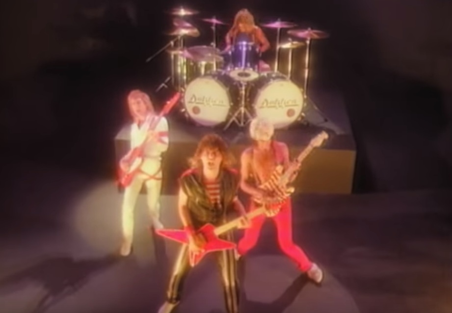 Dokken Breaking The Chains Video2